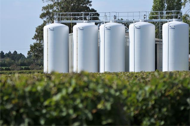 Exemple de cuves de stockage en milieu vinicole